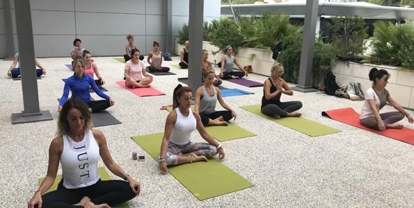 Cours de Yoga en Plein air à Topfit Polygone